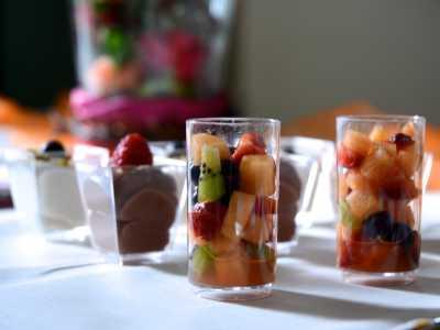 Buffet in der Alten Seminarturnhalle Nagold Fruchtsalat im Gläschen