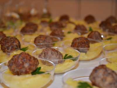Buffet in der Alten Seminarturnhalle Nagold Hackbällchen auf Kartoffelsalat